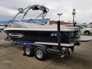 Moomba wake board boat